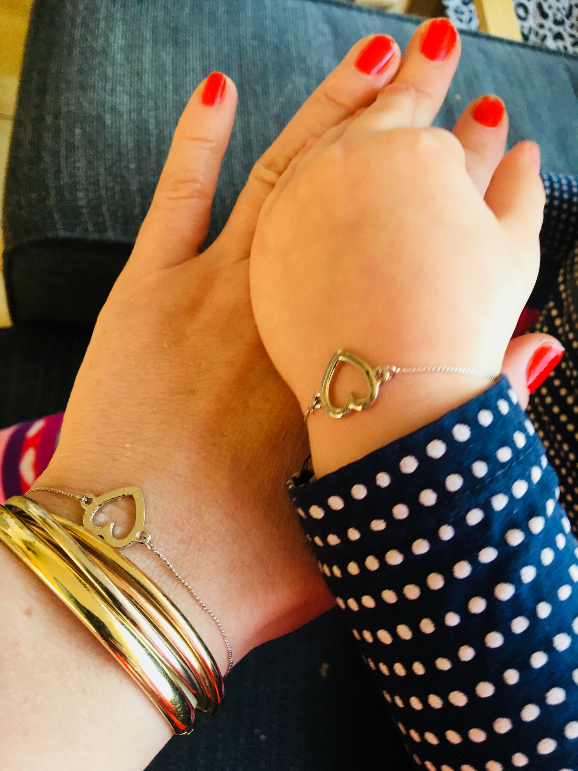 kusjesdag, armband met een verhaal, persoonlijke ring, sieraden, symbolisch, hart, liefde
