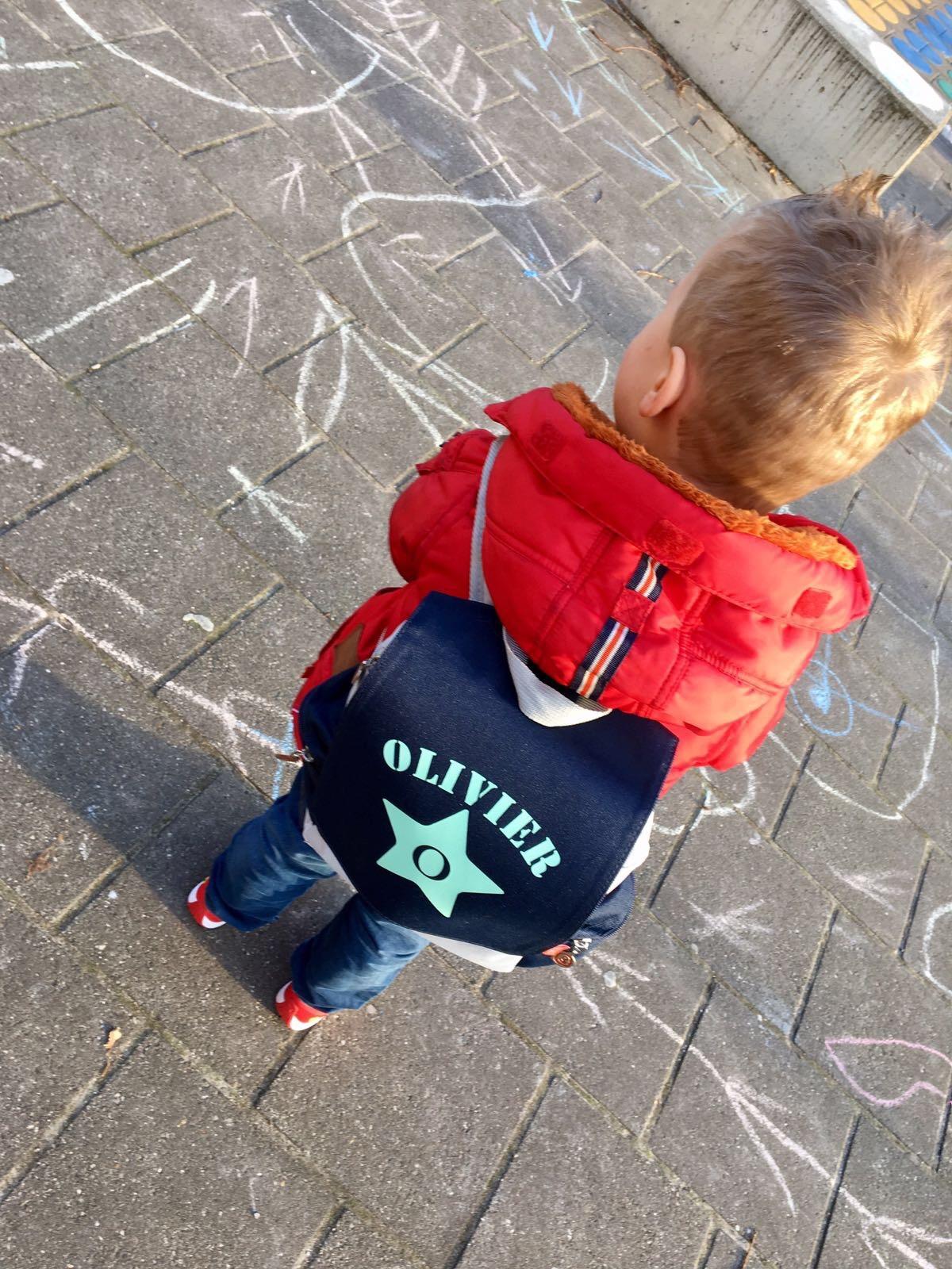 leerplicht, rugzak bullbby eerste schooldag