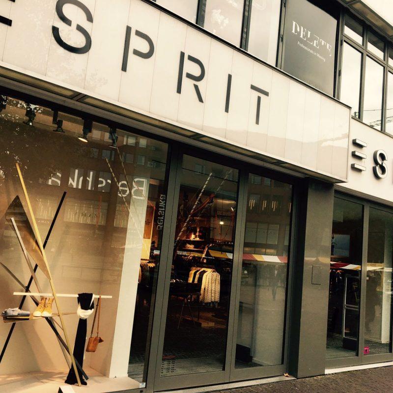 """Positiekleding van Esprit om je hoogzwangere """"laatste loodjes"""" stylish door te komen"""