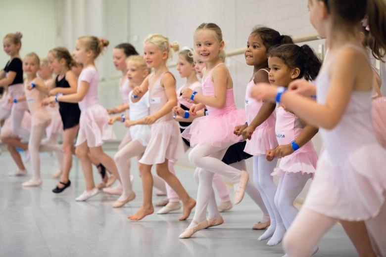 Ballet voor kinderen en families. Het nationale ballet opent graag haar deuren