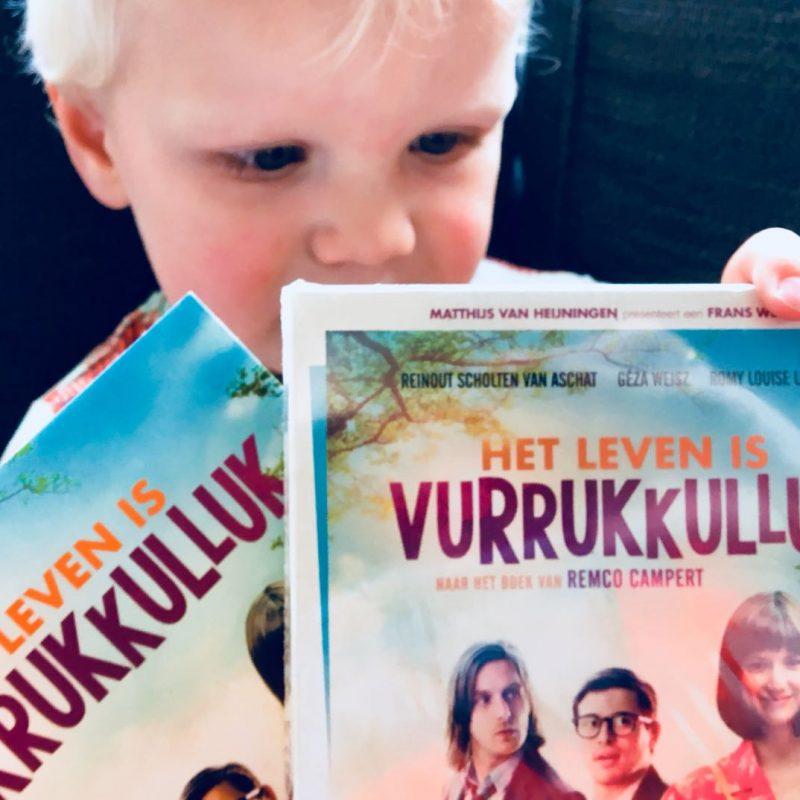 Het Leven is Vurrukkulluk DVD release. En is het BOEK, of toch de FILM beter…?