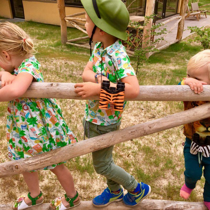 """Schoolvakantie voor zoonlief! Dat betekent 'Off-we go""""… op avontuur!"""