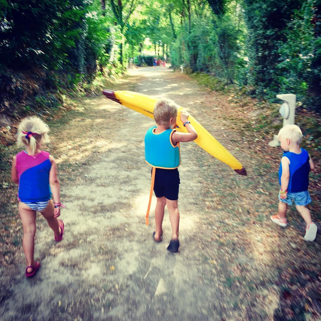 warme weer, zwemles familievakantie Camping le pin parasol