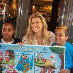 Kinderpostzegelactie 2018 van start! Eerste bestelling kinderpostzegels door Nicolette van Dam