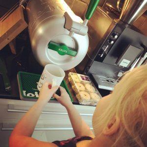 Fulltime werkende moeder, moederschap, wetenschappelijk onderzoek koffie