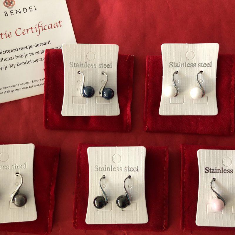 Godina keramieke oorbellen van My Bendel waarmee ik mijn dagelijkse look af maak