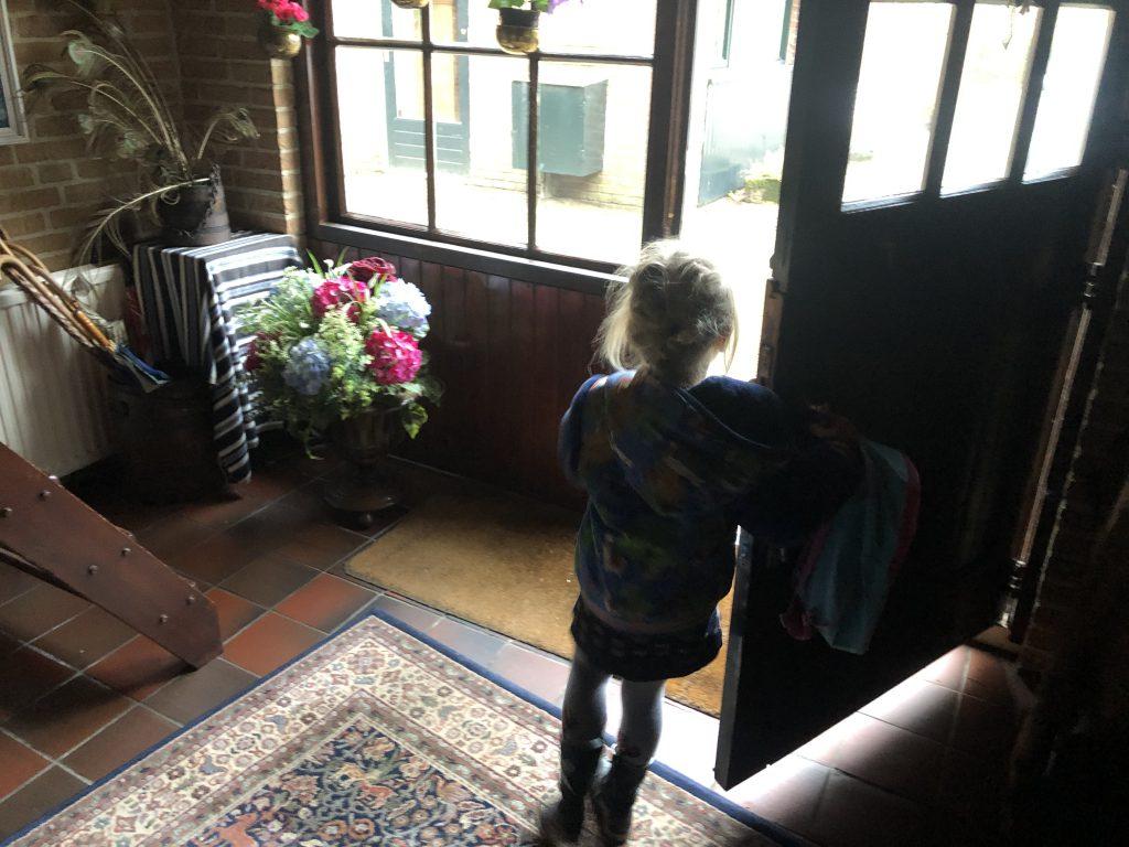 voordeur oma, inbraak, wifi deurbel