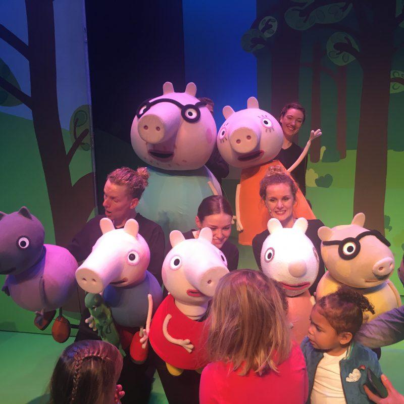 Peppa Pig komt terug naar het theater en maakt van de premiere een echt feestje!