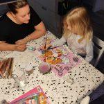 Totum unicorn duo knutselset – een gezellige moeder dochter bezigheid