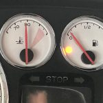 Rijd jij door met een lege benzine tank als het lampje gaat knipperen?