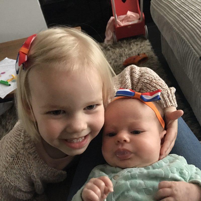 Grote zus! Tips om je peuter voor te bereiden op de nieuwe baby