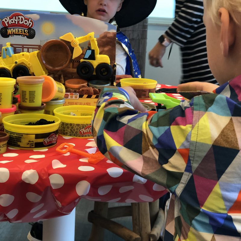 Play-Doh Wheels: 'werk in uitvoering' met onze mini aannemer