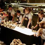 Power to the pieper! 3-gangen diner bereid door tien mini chefs in spé