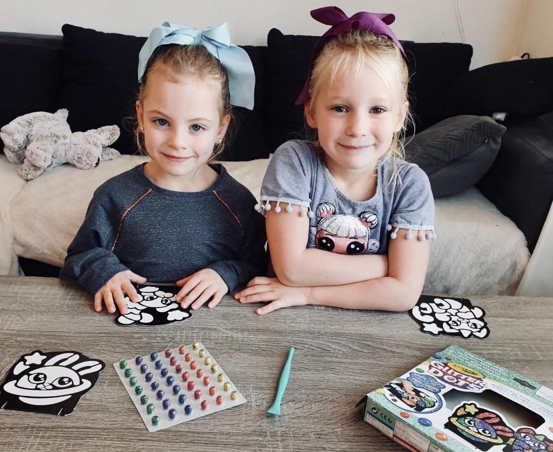 Crayola's kleurrijke glitter dots!