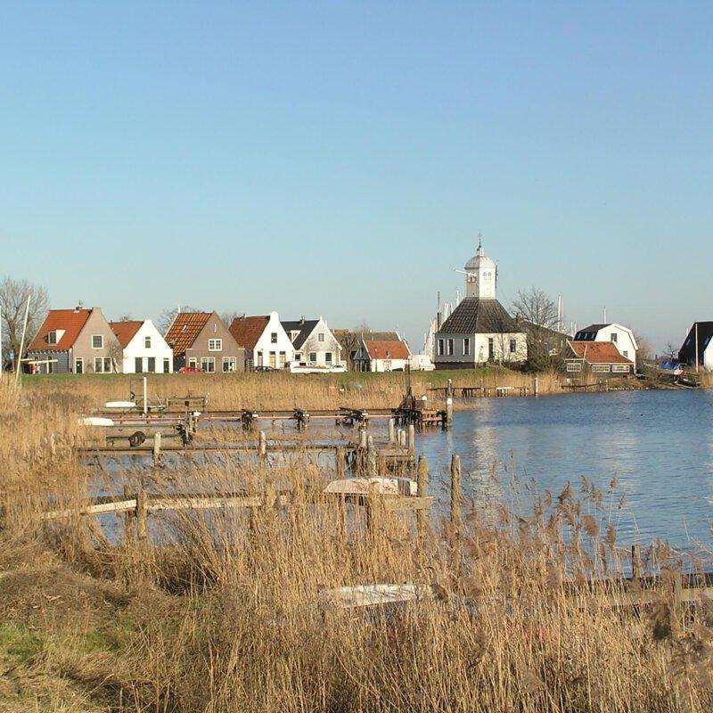 Vakantie nabij Amsterdam in een luxe caravan op Camping De Badhoeve bij Durgerdam