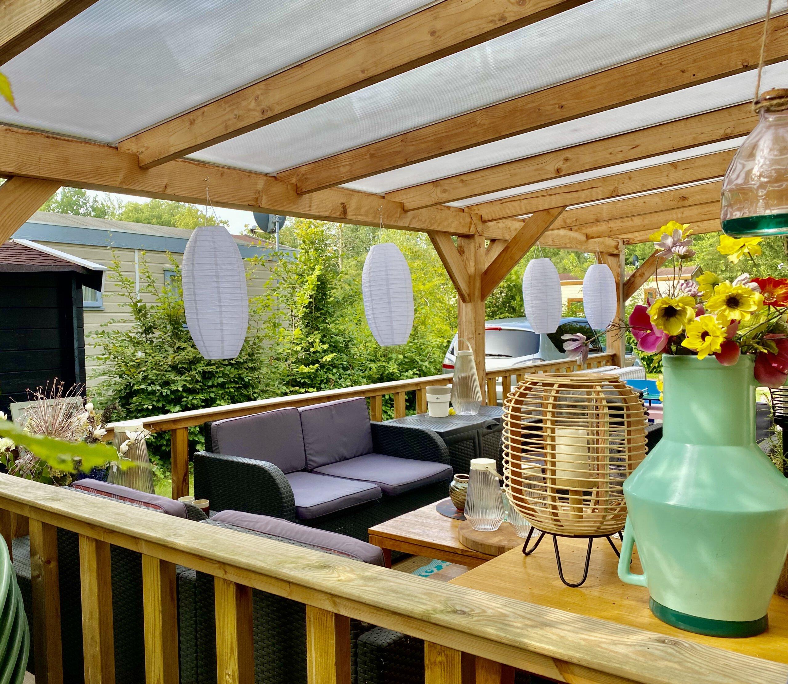 veranda, glazen schuifwanden, uitbouw, interieur, make-over, huisje