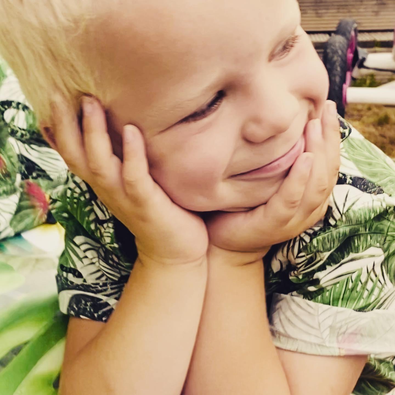 blij, glimlach, jongen, zondagskind