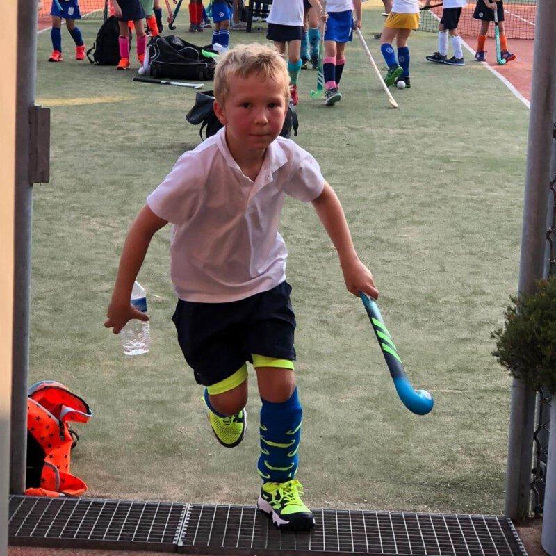 Hockey of voetbal…welke sport kies je voor je kind?