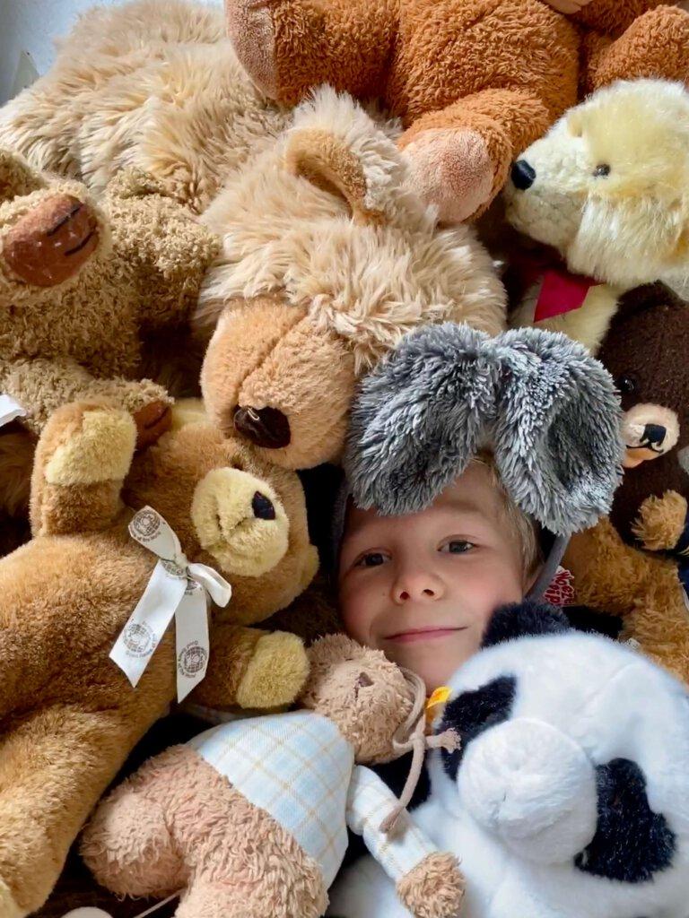 teddybear, teddybeer, teddyberendag, hug a bear, knuffelbeer, knuffel, slapen,