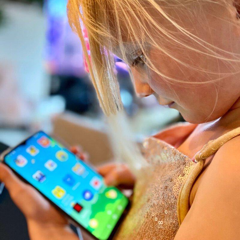 Met deze nieuwste devices van Alcatel zorgen we voor een zorgeloze zomer