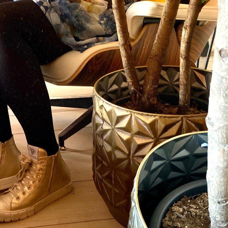 De gouden sneakers trend Bling, bling…