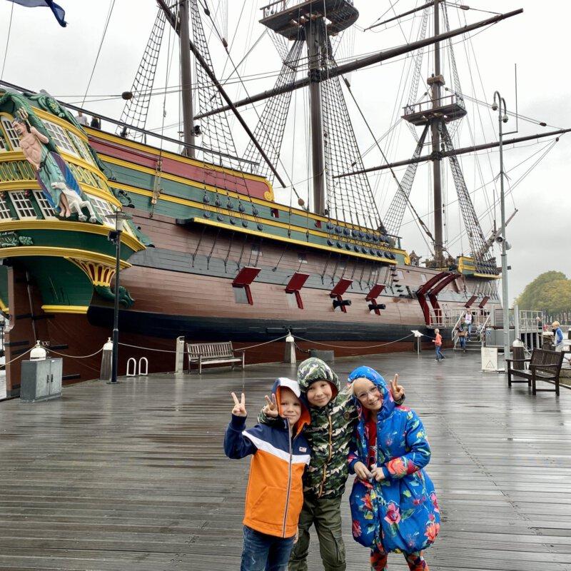 Tip: bezoek Het Scheepvaartmuseum! Er is veel te doen voor families.